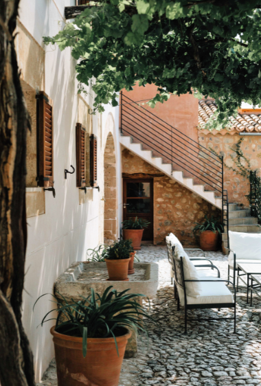 patio clastra courtyard mallorca holidays house country venue wedding